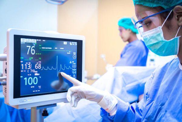 Апаратура за интензивни грижи и реанимация